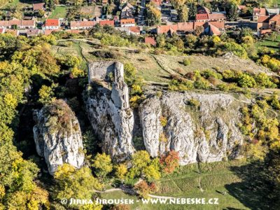 Zřícenina hradu Sirotčí hrádek J1714