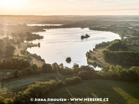 Jezero u Dolního Benešova J1864