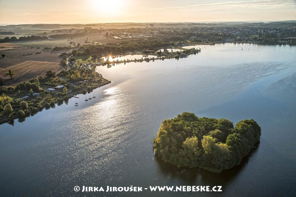 Štěrkovna Hlučín, Hlučínské jezero J1875