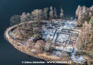 Ostrov sv. Kiliána – základy Ostrovského kláštera J2085