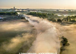 Vraňansko-hořínský plavební kanál na Vltavě u Mělníka J2253