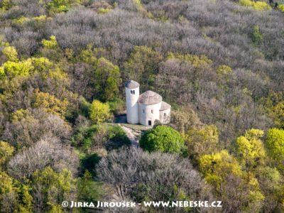 Jarní Říp – Rotunda J2276