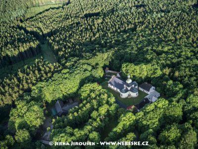 Křemešník – kostel Nejsvětější Trojice J2484