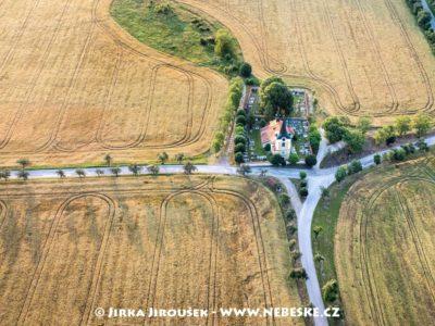 Kostel sv. Jiří – Tmaň J2526