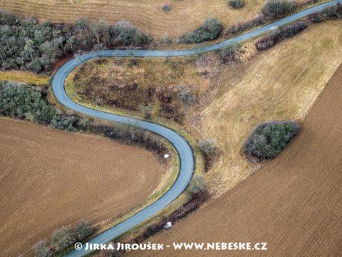 Silnice u Všeradic J2569