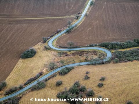 Silnice u Všeradic J2570