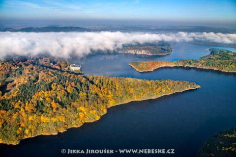 Orlík zámek a řeka Vltava J2415