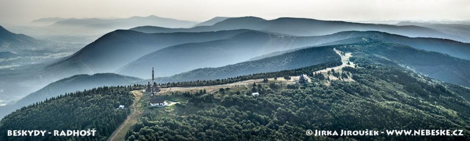 Beskydy – panorama od Radhošti J2606