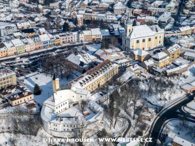 Zábřeh – zámek a náměstí J2712