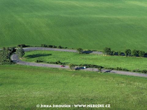 Cesta u Albrechtic J2764