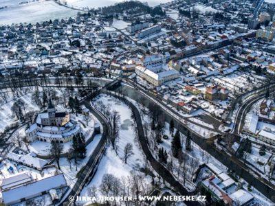 Zámek Březnice a centrum J3019