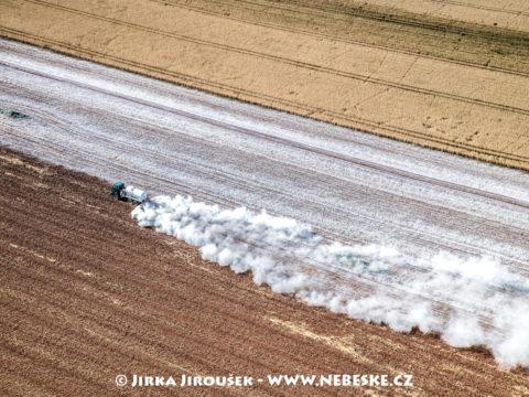 Práškování pole J3101