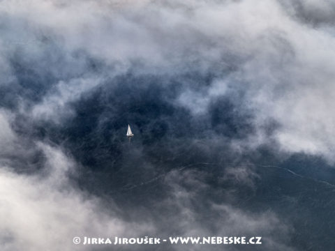 Nebeská plachetnice J2793