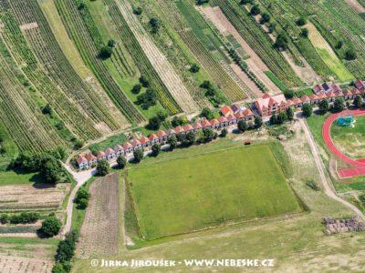 Čejkovice – sklípky J3034
