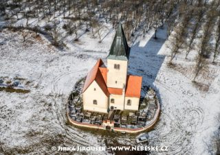 Chvojen – kostel sv. Jakuba a Filipa J3131