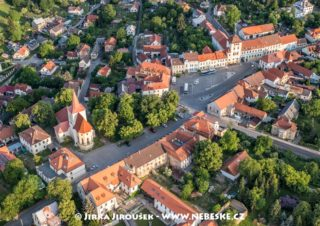 Jílové u Prahy – Masarykovo náměstí J3139