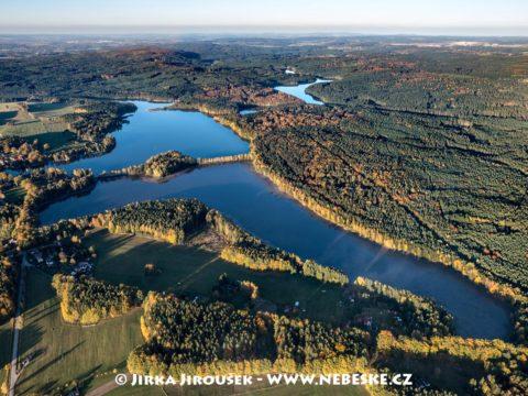 Staňkovský rybník a Špačkov podzimní J3327
