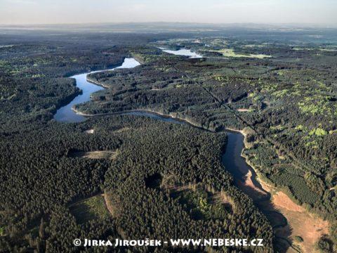 Staňkovský rybník s lesy J3332