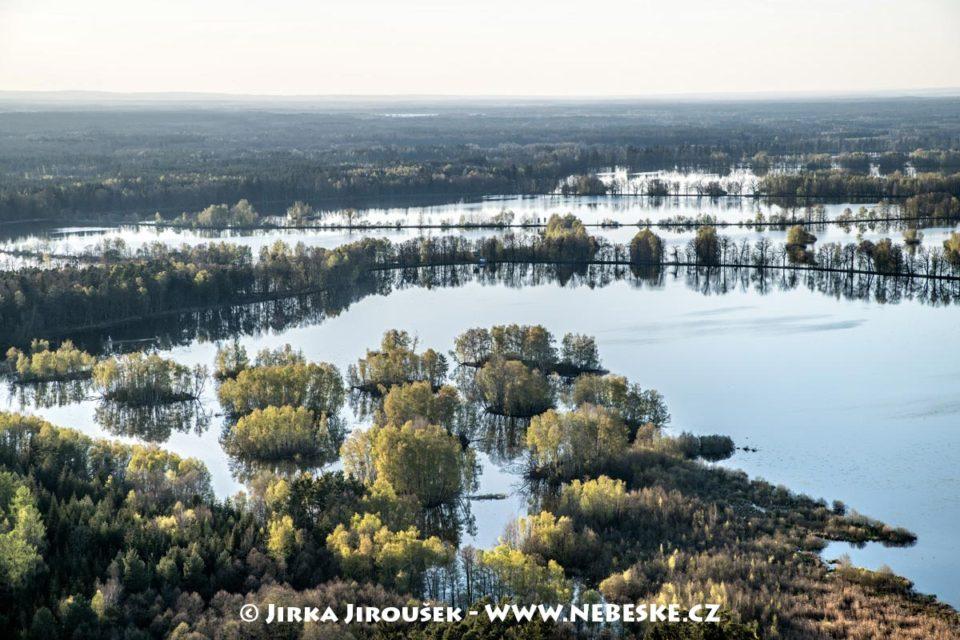 Staré jezero, Výtopa J3305