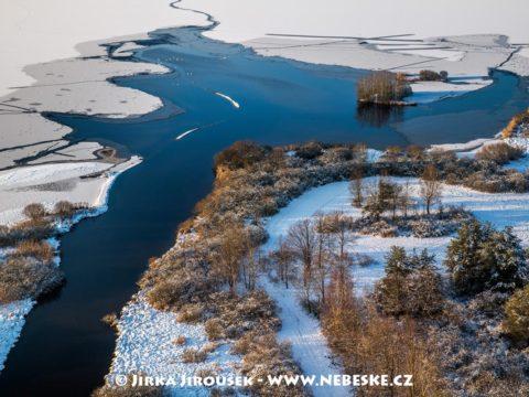 Rybník Rožmberk v zimě J3324
